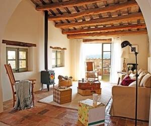 A Beautiful Renovation of a XIV Century Farmhouse