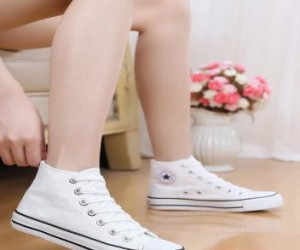 10 best white sneakers for women