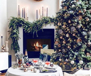 10 Rooms with Festive Christmas Trees