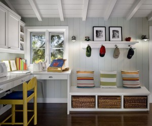 10 Versatile Mudrooms that Double as Home Workspaces