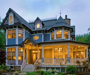 10 Ways to Achieve a Victorian Gothic-Inspired Home
