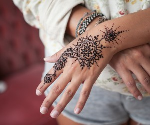14 Pretty Henna Tattoo Patterns to Inspire You