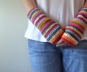 15 Cozy Crocheted Fingerless Mitten Patterns