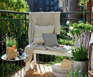 15 DIY Decor Solutions For Your Balcony