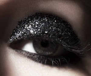 15 Eye Makeup Ideas Involving Glitter