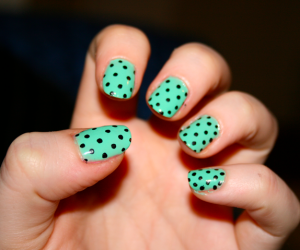 15 Manicures That Show Off Your Love For Mint