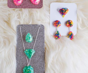 15 Resin Jewelry DIYs To Try Your Hand At