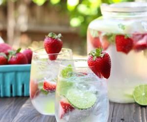15 Summertime Tequila Cocktails To Enjoy Poolside