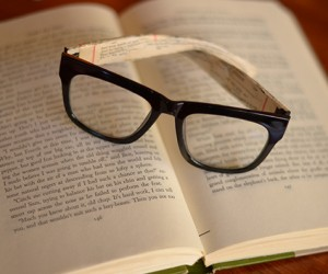 15 Ways to Customize Your Reading Glasses