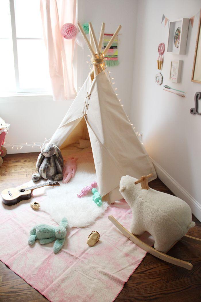 15 whimsical teepee reading nooks for kids. Black Bedroom Furniture Sets. Home Design Ideas