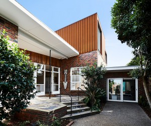 1950s Suburban Home in Melbourne with Ingenious Second Floor Extension