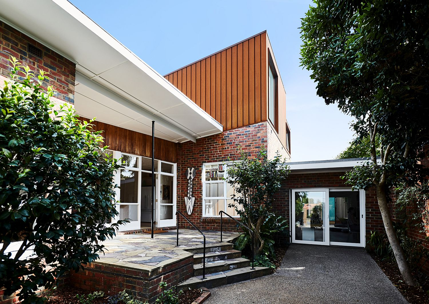 1950s Suburban Home in Melbourne with Ingenious Second ...  1950s Suburban Homes