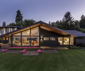 1957 Mid-Century House Remodeled by Giulietti Schouten Architects