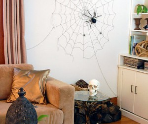 20 Extra Easy DIY Halloween Decorations To Whip Up In A Pinch