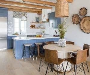 25 Best Beach Style Dining Rooms for a Bright Holiday Feast