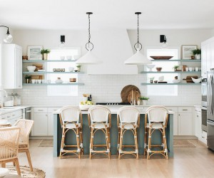25 Cheerful and Breezy Beach Style Kitchens for the Efficient Modern Home