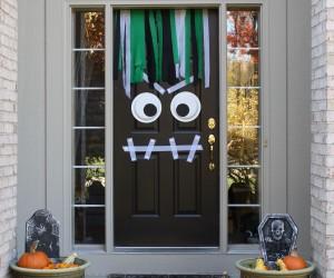 25 SPOOKtacular Halloween Door Dcor DIYs