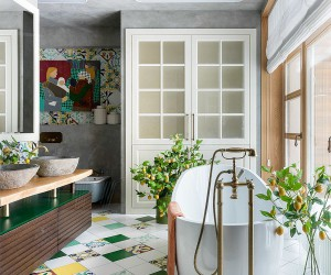 25 Wood and White Bathrooms for a Trendy, Relaxing Shower