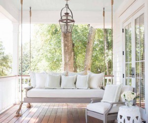 26 Unbelievably Fabulous Swinging Bed Ideas For Your Porch
