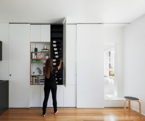 27 Square Metre Apartment Featuring a Clever Combination of Storage Spaces