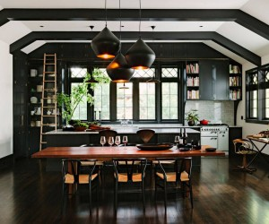30 Beautiful and Elegant Black Interiors