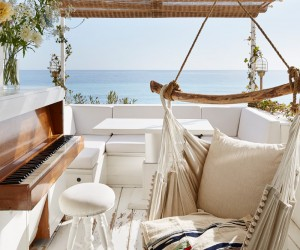 30 sqm Mediterranean Retreat by Humbert  Poyet