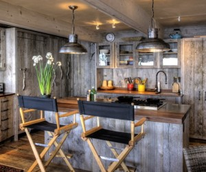 50s beach shack remodeled with live material