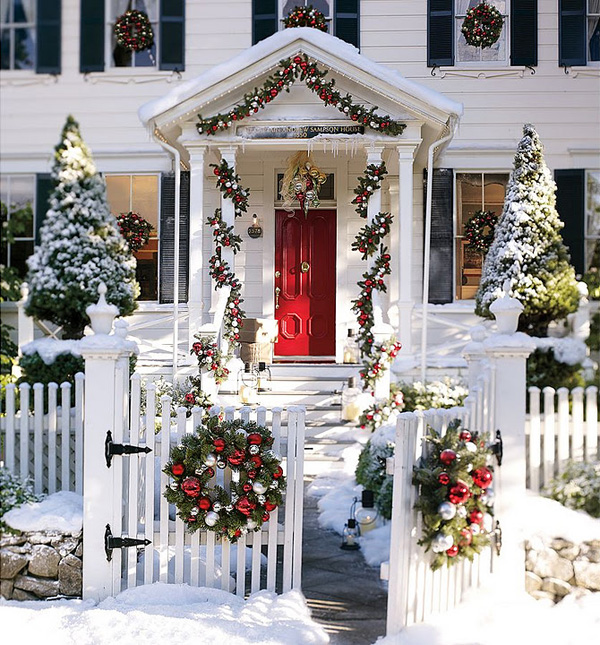 56 amazing front porch christmas decorating ideas for Outdoor front porch decor
