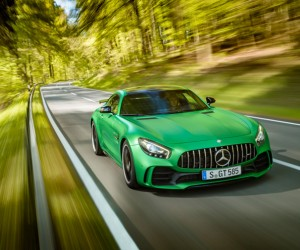 A Closer Look at the new Mercedes-AMG GT R