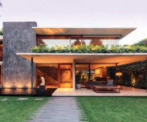 A Contemporary Home in the Mexico City Neighborhood of Lomas de Chapultepec