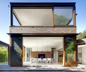 A Green Retreat: Lush Garden Landscape Engulfs Expansive Sydney Home