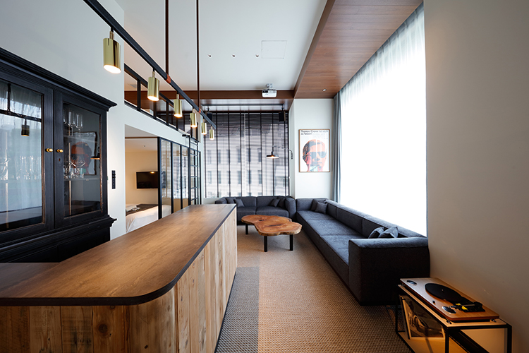 A Look Inside The Trunk Hotel In Tokyo Japan