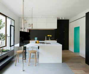 A Refurbished Apartment In Tel-Aviv by Maayan Busman