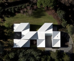 AA House in Barcelona by OAB Carlos Ferrater