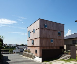 Abode of the Continuous Layer by Matsuyama Architects and Associates