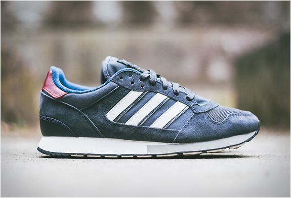 low priced 6b852 f688f Adidas X Barbour ZX 555