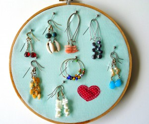 All Too Easy: Delightful Dollar Store Embroidery Hoop Crafts