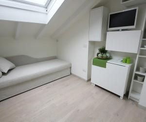 All white 20 sqm attic in Milano