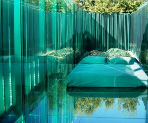 Amazing Glass Hotel