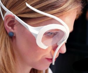 Amoeba 3D printed glasses let you pick content of interest