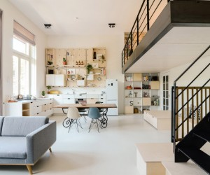 Amsterdams Old School Converted into Apartment