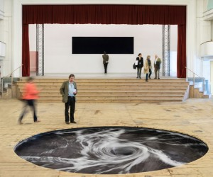 Anish Kappors Descension at Galleria Conitnua