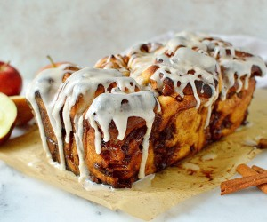Apple Cinnamon Pull-Apart Bread With Vanilla Bean Glaze