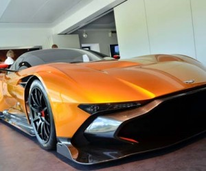 Aston Martin Vulcan looks epic with orange paint