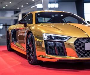 Audi R8 Goldenes Lenkrad