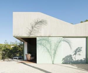 Baladrar House by Langarita-Navarro Arquitectos