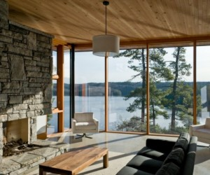 Beautifully Designed Muskoka Lakes Cliff House