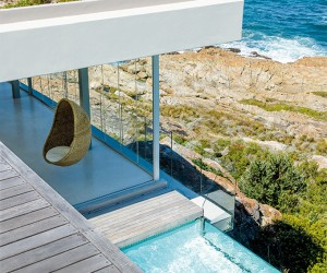 Bettys Bay Retreat by Sarah Calburn Architects