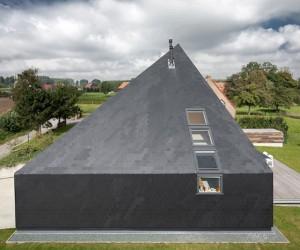 Bilt House by Eugeen Liebaut