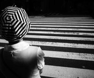 Black and White Street Photography by Tadashi Onishi